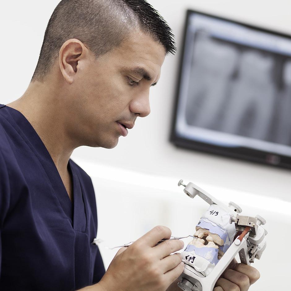 tratamientos dentales con prótesis sobre implantes