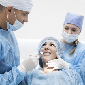 advanced oral surgery in dental center diparr