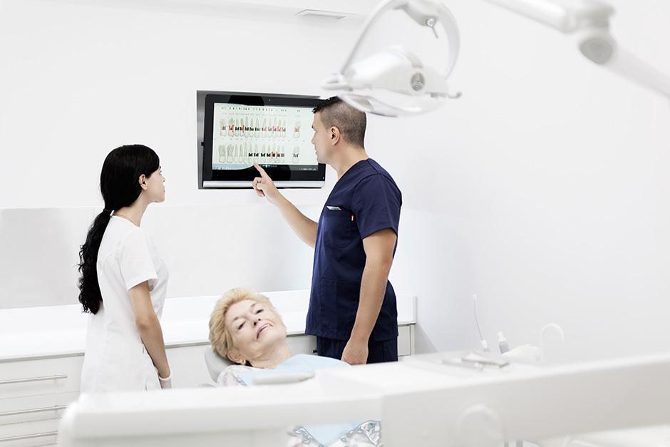 equipo médico en nuestras clínicas dentales