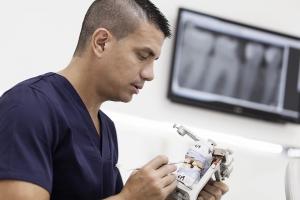 prótesis sobre implantes dentales en tenerife sur