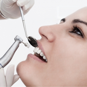 oral hygiene in dental center diparr